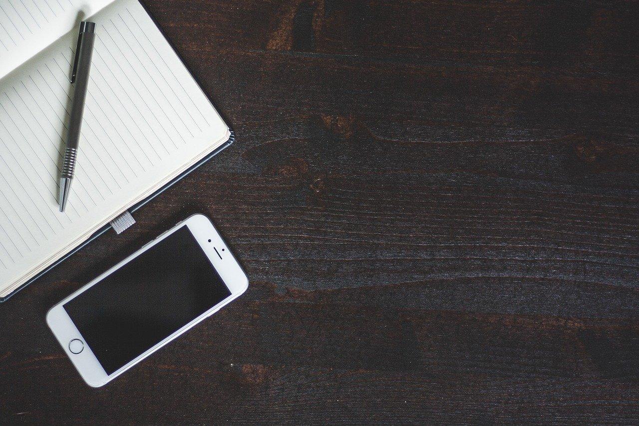 Dlaczego warto korzystać z pomocy firmy serwisowej Macbook?