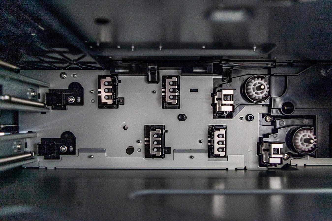 Plotery to urządzenia jakie działają podobnie do drukarek